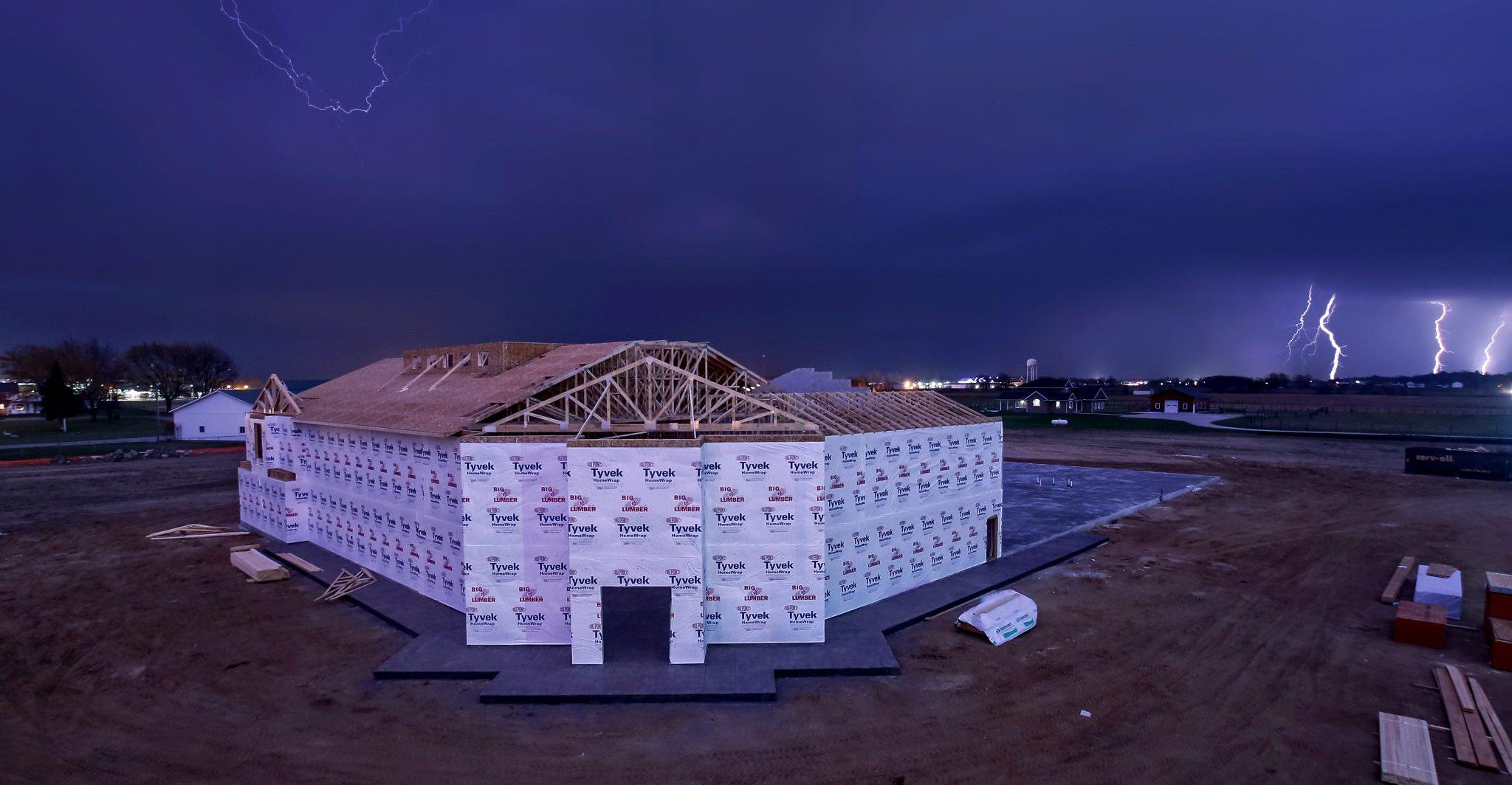 LaGwana Building - lightning